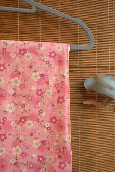 Blooming Sakura Japanese Fabric  Pink/Vintage by AtelierLiaSan, €4.50