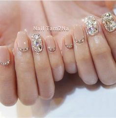 Once you've ticked off the wedding dress and venue, narrowed down the guest list and picked your perfect undo, the only thing left to do is find your suitable wedding nails. If you're subtle… Korean Nail Art, Korean Nails, Korean Art, Cute Nails, Pretty Nails, Hair And Nails, My Nails, Grow Nails, Wedding Nails Design