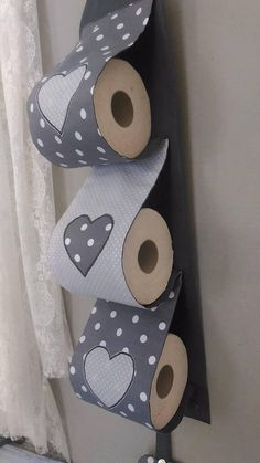 PORTE-papier rouleau de papier toilette Diy Toilet Paper Holder, Toilet Paper Crafts, Cardboard Box Crafts, Easy Crafts, Diy And Crafts, Crafts For Kids, Arts And Crafts, Sewing Crafts, Sewing Projects