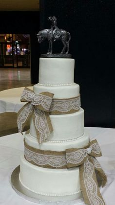 country themed wedding cake ideas 3 tier wedding cake decorated with burlap ribbon amp twine 12991