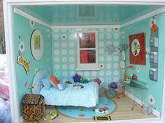 American Girl Minis Bedroom .... love the walls