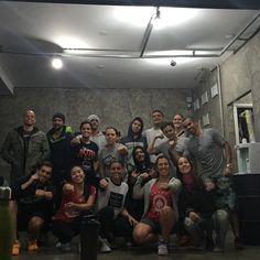 Com a turma do @mahalobarbellclub  Valeu  #crossfit #crossfittupis  #crossfitpuaimana #brazil  #crossfitweightlifiting #weightlifting #mahalobarbellclub #AFEquipment #tupiswarriors #australia  #eleiko #paleo #ctcotia #crossx #saude #health #lapa #crossfitnalapa #squat #caffeine  #usaweightlifting by renatomendesp
