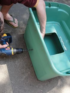 """DIY """"earthbox"""" tutorial... never heard of one before, but it's pretty stinkin' neat!"""