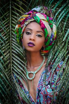 Inspired Ankara Make Up Styles 2018 Ankara Xclusive: Inspired Ankara Make Up Styles 2018 African Makeup, African Beauty, African Women, African Fashion, Ghanaian Fashion, Costume Fleur, Textiles Y Moda, Headband Men, African Head Wraps