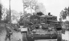 Villers-Bocage - waffen SS troops near the Command Cromwell tank knocked out just behind Pt Battle of Normandy Tours Panzer Iv, Normandy Tours, Cromwell Tank, Churchill, Military Armor, Armored Fighting Vehicle, Military Pictures, Battle Tank, World Of Tanks