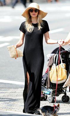 Jessica Hart // floppy summer hat,round sunglasses, maxi t-shirt dress & woven clutch #style #fashion #model