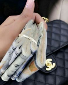 Keep working on my savings goals. Mo Money, How To Get Money, Quick Money, Money On My Mind, Money Stacks, Rich Lifestyle, Luxury Lifestyle, Luxe Life, Happiness