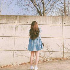 A beautiful girl Ulzzang Fashion, Asian Fashion, Girl Fashion, Cute Korean Girl, Asian Girl, K Wallpaper, Uzzlang Girl, How To Pose, Aesthetic Girl