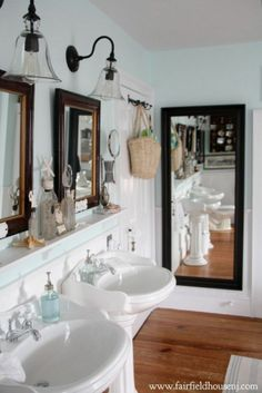 Victorian farmhouse bathroom with sea theme
