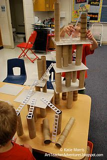 Building with recycled materials - blocks, block play, construction, STEM Block Center, Block Area, Decoration Creche, Block Play, Reduce Reuse Recycle, Play Based Learning, Preschool Classroom, Reggio Emilia Preschool, Creative Curriculum Preschool