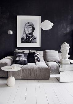 FRA LYS STUE TIL MØRK OG MYSTISK PÅ EN SØNDAG FORMIDDAG – Lazydays T Home, Creative Home, House Design, Couch, Throw Pillows, Furniture, Instagram, Home Decor, Living Rooms
