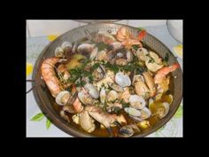 Cataplana de peixe e marisco à minha maneira 29092013 - YouTube Portuguese Recipes, Portuguese Food, Fish And Seafood, Paella, Shrimp, Spicy, Pork, Chicken, Meat