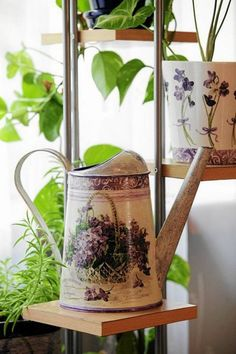 Decoupage - watering can