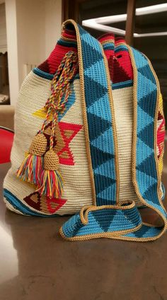 Mochilas de crochet Tapestry Crochet, Knit Crochet, Leather Working, Crocheting, Tatting, Reusable Tote Bags, Textiles, Yoga, Blanket