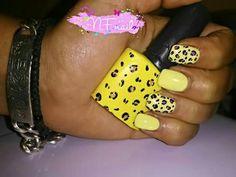 Leopard nail art