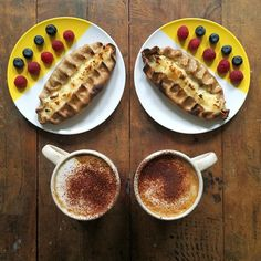 Symmetrical Breakfasts by Michael Zee and Mark van Beek