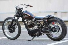 This bike is a customised Yamaha in the Japanese bobber style often referred to as Bratstyle. Bratstyle is actually the name of a custom shop in Japan and the research I've done (i. Custom Motorcycle Parts, Custom Motorcycles, Custom Bikes, Triumph Bobber, Cafe Racer Motorcycle, Sr 500, Yamaha Sr400, Bobber Style, Best Build