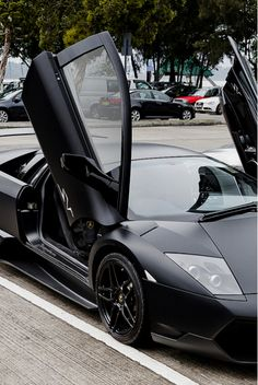 This car, I can't. If this Lamborghini was a person... *begins drooling* ...okay we won't go there.