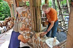 Construcción de casas de madera de leña.  #bioconstrucción #construcciónsostenible #casas