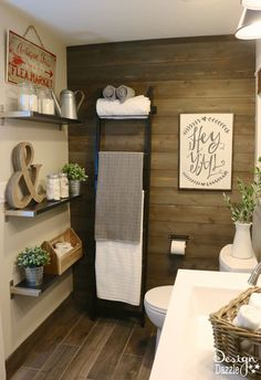 4 Ways to Add Farmhouse Style {Printable Included}-- wood plank wall