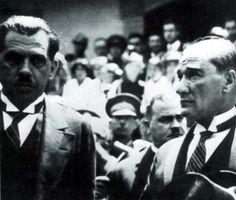 Mustafa Kemal Atatürk'ün az bilinen fotoğraflarından...  #TekAdamMustafaKemalATATÜRK pic.twitter.com/9yiOupPpcc