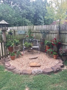 Best Simple Garden Design Ideas for Backyard and Front yard Home Design Ideas on Budget - perfect home decor ideas Garden Yard Ideas, Lawn And Garden, Garden Projects, Backyard Ideas, Rustic Backyard, Pergola Ideas, Diy Garden, Patio Ideas, Diy Projects