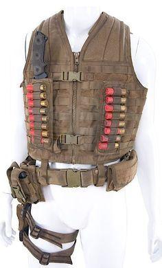 Predators - Royce's Ammo Vest (Adrien Brody) #bushcraftvest