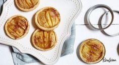 Mini Apple Tarts -uses widemouth mason jar rings as a tart form