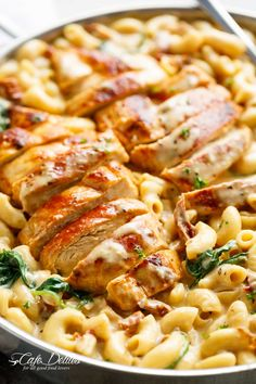Tuscan Chicken Mac And Cheese (One Pot, Stove Top) - TheDirtyGyro - Abendessen oder Brotzeit - Heerlijk web Healthy Chicken Recipes, Pasta Recipes, Cooking Recipes, Chicken Parmesan Recipes, Chicken Recepies, Cooking Gadgets, Cooking Tools, Vegetarian Recipes, Recetas Puertorriqueñas