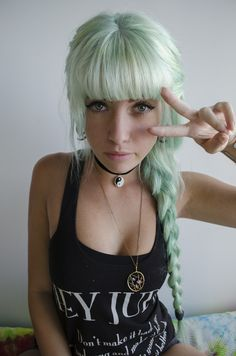 #green #dyed #scene #hair #pretty