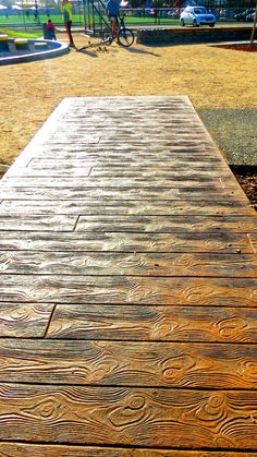 PARQUE VENECIA TEMUCO Texture, Wood, Table, Crafts, Furniture, Home Decor, Venice, Parks, Surface Finish