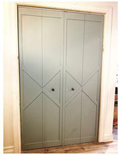 Diy Closet Doors, Closet Door Makeover, Closet Bedroom, Home Bedroom, Diy Interior Door Makeover, Modern Closet Doors, Folding Closet Doors, Hallway Closet, Bedrooms