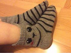 Cool Socks, Awesome Socks, Knitting Socks, Knit Socks, Slippers, Plaid, Tattoos, Shoes, Barn