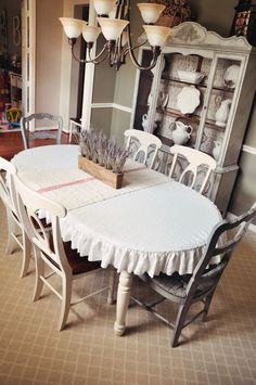 Best 12 Love, love, love this table cloth – SkillOfKing. Dining Table Cloth, Dining Decor, Dining Rooms, Oval Tablecloth, Ruffled Tablecloth, Fitted Tablecloths, Under The Table, Home And Deco, Diy Table