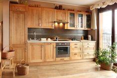 Osoby, które szczególnie dużo czasu spędzają w takim domowym pomieszczeniu jak kuchnia, bardzo dobrze wiedzą o tym, jak ważne jest to, aby ową kuchnię urządzić w sposób funkcjonalny. Z racji tego, iż kuchnia jest miejscem, które nie służy raczej do wypoczynku, a do wykonywania określonych działań, w czasie których niemal ciągle jesteśmy w ruchu, musiZobacz więcej Kitchen Interior, Home Interior Design, Kitchen Design, Kitchen Ideas, Home Kitchens, Home Improvement, New Homes, Kitchen Cabinets, Home And Garden
