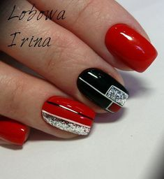 The advantage of the gel is that it allows you to enjoy your French manicure for a long time. There are four different ways to make a French manicure on gel nails. Fancy Nails, Red Nails, Cute Nails, Nagel Bling, Christmas Gel Nails, Nagellack Design, Gel Nail Art Designs, Geometric Nail, Pretty Nail Art