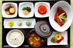 Bansang (반상) is the traditional Korean style combination for one person. It is served with rice, banchan(side dishes) and soup.