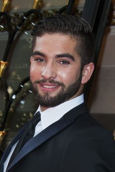 Kendji Girac - Winner of The Voice France performing The Global Gift Gala Paris 2014. Marvellous!