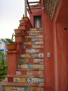 Ideas home exterior colors colonial for 2020 Machuca Tiles, Mexican Patio, Tile Stairs, Adobe House, Earthship, Exterior House Colors, Decorative Tile, Rustic Style, My Dream Home