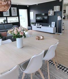 🍃 Welcome August 🍃 Juli har virkelig vært f… Home Living Room, Interior Design Living Room, Living Room Designs, Living Room Decor, My New Room, Home Fashion, Diy Home Decor, Sweet Home, House Design
