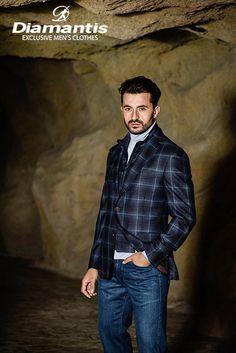 Diamantis Γαμπριάτικο Κοστούμι Ν. Θεσσαλονίκης www.gamosorganosi.gr Luxury Sale, Luxury Fashion, Mens Fashion, Tailored Suits, European Fashion, Signature Style, Mens Suits, Men Casual, Stylish