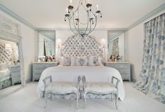 18 Striking Victorian Bedroom Designs That Will Leave You Speechless Bedroom Colors, Bedroom Sets, Blue Bedrooms, Master Bedrooms, English Cottage Interiors, Master Bedroom Design, Bedroom Designs, Victorian Decor, Victorian Homes
