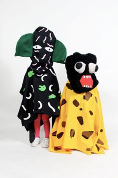 Creatures of the Wild World costumes by Super Groupe. Art Costume, Costume Dress, Textiles, Fancy Dress, Dress Up, Design Textile, Looks Cool, Costume Design, Puppets