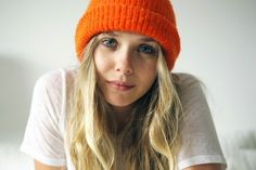 Elizabeth Olsen's cool laid-back style at home from her '5 Minutes With Franny' Interview. #style #fashion #lizzieolsen