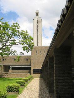 Dudok, Begraafplaats Westerveld, Driehuis 1925-1926