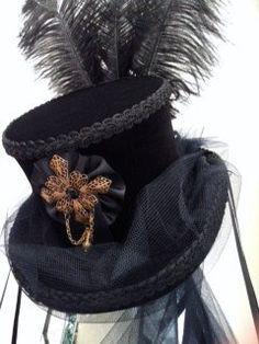 7247de48b4309a Gothic Steampunk Victorian schwarzer samt-Hut von Blackpin auf Etsy  Kopfschmuck, Samt, Kopfbedeckungen