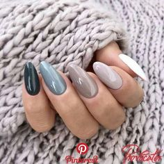 Long acrylic nails are too sharp, and short nails are too ordinary? Then you need almond nails, which are of moderate length. Almond nails are named after their shape similar to almonds. Easy Nails, Cute Nails, Pretty Nails, Simple Gel Nails, Cute Simple Nails, Perfect Nails, Solid Color Nails, Nail Colors, Different Color Nails