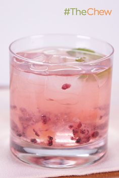 The Fantasy Sweet by Clinton Kelly! Surprise your sweetie with this amazing champagne cocktail! #TheChew