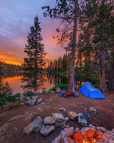 Find The Best Tips For Camping Right Here. You can't deny the natural appeal of the outdoors. If you want to make your next camping trip an experience to remember, you need to get informed. Backyard Camping, Camping And Hiking, Camping Life, Outdoor Camping, Camping Ideas, Camping Hacks, Campsite, Backpacking, Lakeside Camping