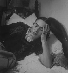 Frida Kahlo - Fotografías de Héctor García Cobo para Frida Kahlo 1953